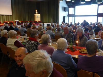 Vorschaubild zur Meldung: Wächtersbacher Senioren feiern in der Heinrich-Heldmann-Halle