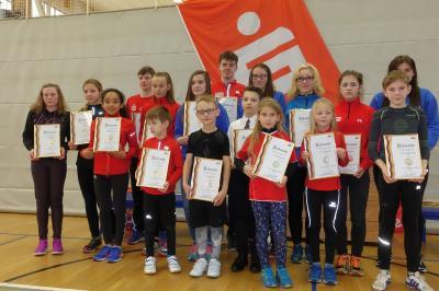 Foto zur Meldung: Alle Jahre wieder -  Kinder der Laager Laufgruppe mit IGL- Medaillen geehrt