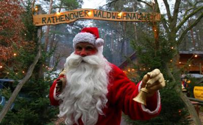 Foto zur Meldung: Impressionen von der 15. Rathenower Waldweihnacht