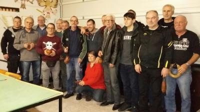 Foto zur Meldung: Dieter Sincke gewinnt das Silvesterschießen mit einem glatten Zehner