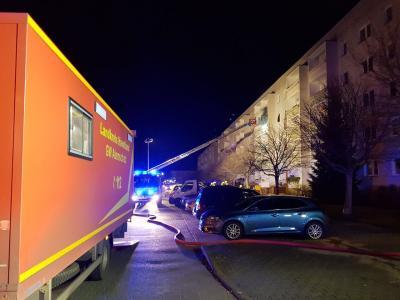 Die Falkenseer Feuerwehr wurde gestern zu einem Brand in einem Mehrfamilienhaus gerufen.