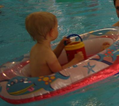 Vorschaubild zur Meldung: Freie Kursplätze beim Kleinstkinderschwimmen