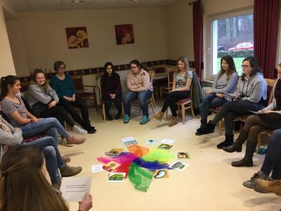 Vorschaubild zur Meldung: Schüler des Seniorenbesuchsdienst zum Erfahrungsaustausch bei der AWO