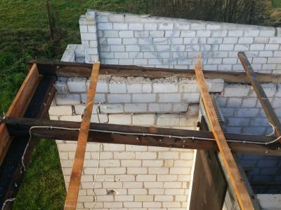 Foto zur Meldung: Windböe beschädigt Bolzplatzhütte