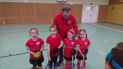 Foto zur Meldung: Unsere jüngsten Hockey-Mädchen E
