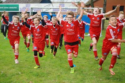 Foto zur Meldung: HSV Fussballschule - Trainiere wie ein Profi – die HSV-Fußballschule kommt