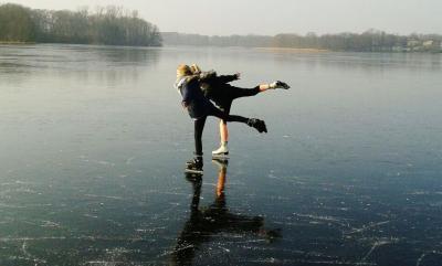 Foto zu Meldung: Passend zu Olympia: Schlittschuhlaufen auf dem Schmalensee