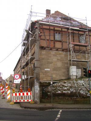 Vorschaubild zur Meldung: Sturmschäden am Roten Schloss werden ausgebessert
