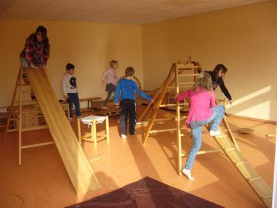 Foto zur Meldung: Eine Reise in das Phantasieland - Bewegung nach Hengstenberg