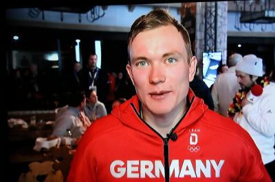 Bronzemedaille für Benedikt Doll in der Biathlon-Verfolgung - Foto: Hahne