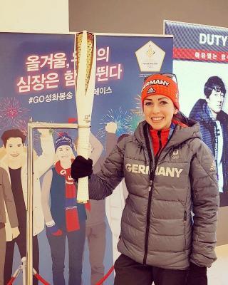 Foto zur Meldung: Juliane springt unter die Top 10 bei Olympia