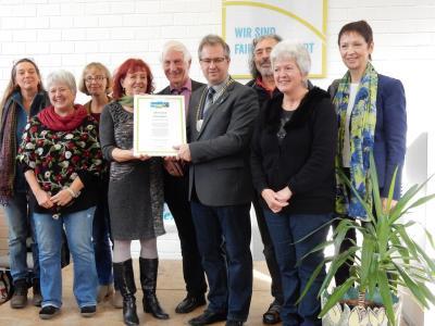 """Vorschaubild zur Meldung: Creußen ist Fairtrade-Town! Verleihung des Titels auf dem Markt """"Regional und Fair"""" am 18.11.2017"""