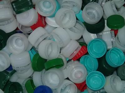 Foto zu Meldung: Eine gute Sache: Deckel gegen Polio