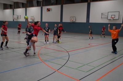 Foto zur Meldung: 2. Frauen - Spannendes Spiel bis zur letzten Minute