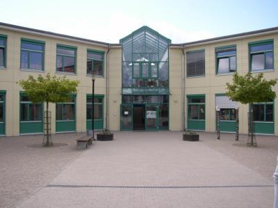 Brand an der Mensa der Geschwister-Scholl-Grundschule - Mittagsverpflegung sichergestellt