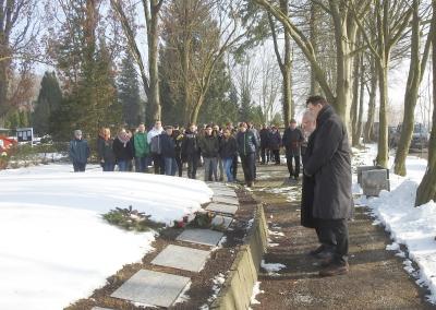 An der Gedenkstätte auf dem Alten Friedhof