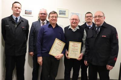 Bild 2201 Ehrungen v.l. Christian Berger (stellv. Wehrführer), Bürgermeister Bernd Heine, Erhard Gabi, Wilfried Döpp, Frank Dietrich (Wehrführer) und Vorsitzender Reinhold Claudi.