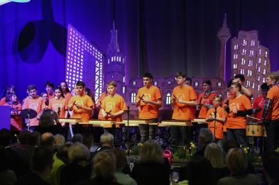 Foto zur Meldung: Auftritt der Starken Töne in der Turbinenhalle der Stadtwerke Düsseldorf
