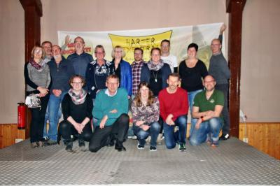 Die geehrten Sportler und verabschiedeten Übungsleiter/innen zusammen mit dem Vorstand und den Gästen. Foto: Petra Bordfeld