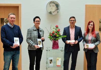 v.l. Axel Scmidt (FB-Leiter 10), Annett Jura (Bürgermeisterin), Angelo Raciti (Künstlerischer Leiter), Ulrike Ziebell (SB-Leiterin 130) | Foto: Stadt Perleberg, 2018