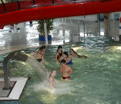 Foto zur Meldung: Wiedereröffnung der Schwimmhalle (Werra -Sport- und Freizeitbad) nach den Sanierungsarbeiten