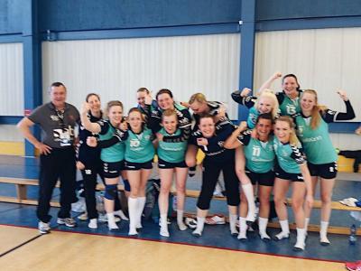 Foto zur Meldung: Auswärtssieg für die 1. Frauen des HSV Falkensee 04 beim OHC