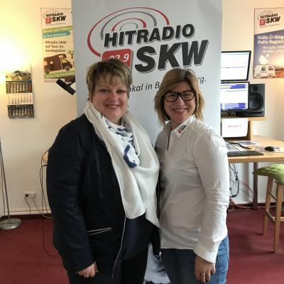 Bürgermeisterin Cornelia Schulze-Ludwig und Susanne Trotzki vom Hitradio SKW