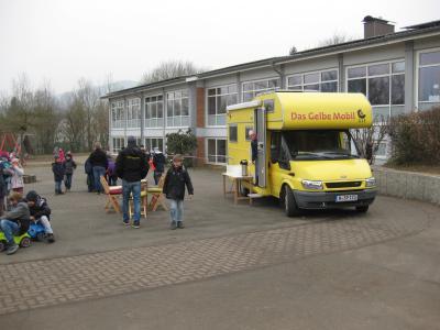Vorschaubild zur Meldung: Das Gelbe Mobil in Polle