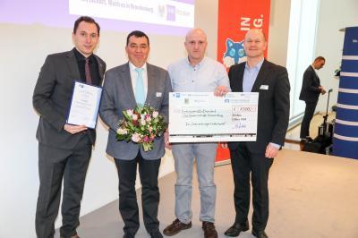 Olaf Kölle 2. Vorsitzender und Geschäftsstraßenmanager Stefen Wiesjahn bei der Preisverleihung.