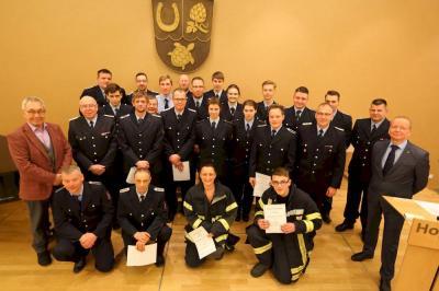 Bild der Meldung: Kameraden der Feuerwehr befördert und geehrt