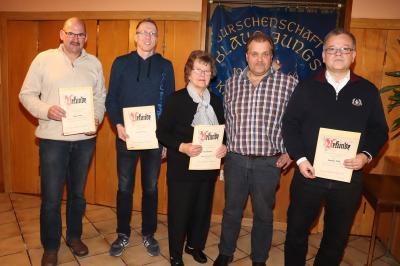 Bild 2641 Ehrungen v. l. Thomas Böll, Markus Meiser, Irene Kiebler, Jens Müller (1. Vorsitzender) und Matthias Wick.