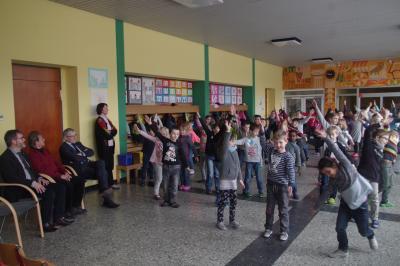 Foto zur Meldung: Grundschulfamilie bedankt sich für unerwarteten Geldsegen