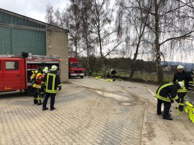 Foto zur Meldung: Übung Ausrückebereich 4 der Feuerwehren Lohrheim und Oberneisen