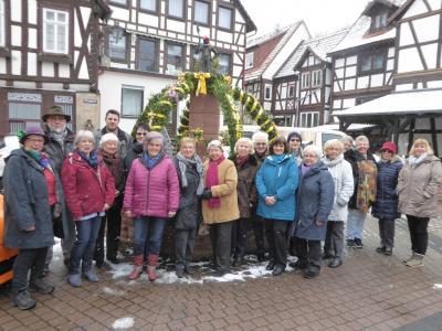 Foto zu Meldung: Altstadtbrunnen in Wächtersbach österlich geschmückt