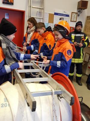 Foto zur Meldung: Amtsausbildungstag der Jugendwehren in Sülte