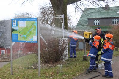 Foto zu Meldung: Saubermachen in Borgwedel