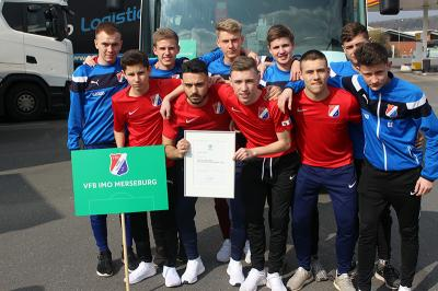 Foto zur Meldung: B-Junioren des VfB IMO Merseburg erringen 5. Platz bei der DFB-Futsal-Meisterschaft