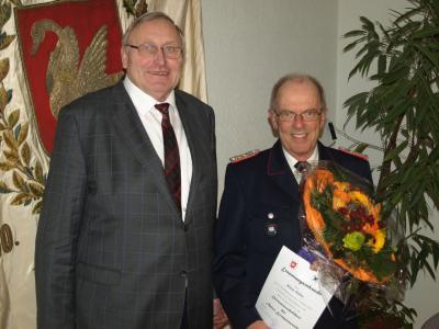 Foto zur Meldung: Klaus Kühn zum Ehrenamtswehrführer ernannt