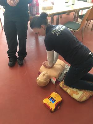 Foto zur Meldung: Erste-Hilfe am Kind Kurs der Jugendwarte aus dem Verwaltungsbereich Neuruppin