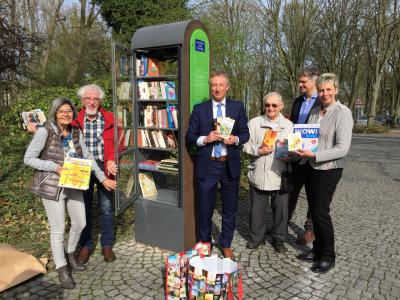 Foto zur Meldung: Bücherschrank lädt zum Tauschen und Schmökern ein
