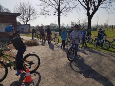 Vorschaubild zur Meldung: Training für die Fahrradprüfung
