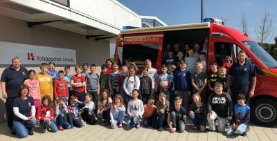 Foto zur Meldung: Die Feuerwehr zu Besuch in der Schule