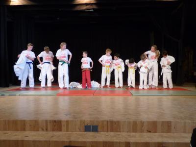 Foto zur Meldung: Stadt Hemmingen ehrt junge Sportler
