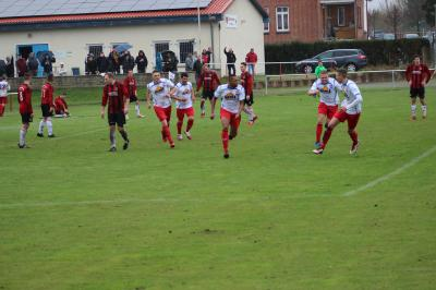 Foto zur Meldung: + + + Fußball Landesliga West 22. Spieltag + + +