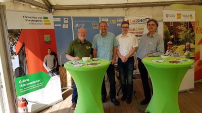 Auf dem Stand der BEnW mit Mitarbeitern der Klimaschutzleitstelle