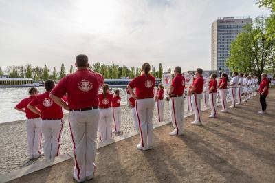 Foto zur Meldung: Traumhafte Flottenparade in Potsdam
