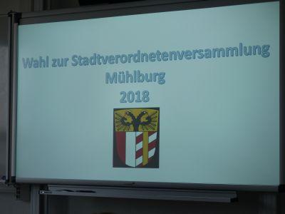 Foto zu Meldung: 6.Klasse übt Kommunalwahl