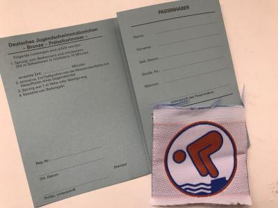 Foto zur Meldung: Bronze-Schwimmabzeichen für Kinder