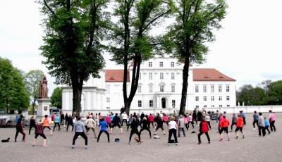 Vorschaubild zur Meldung: Am 6. Mai beginnt wieder »Fit vorm Schloss«