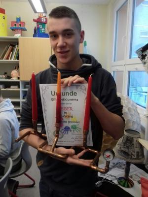 Foto zur Meldung: Schülerdocumenta 2018 : Jugend kreativ - Upcycling